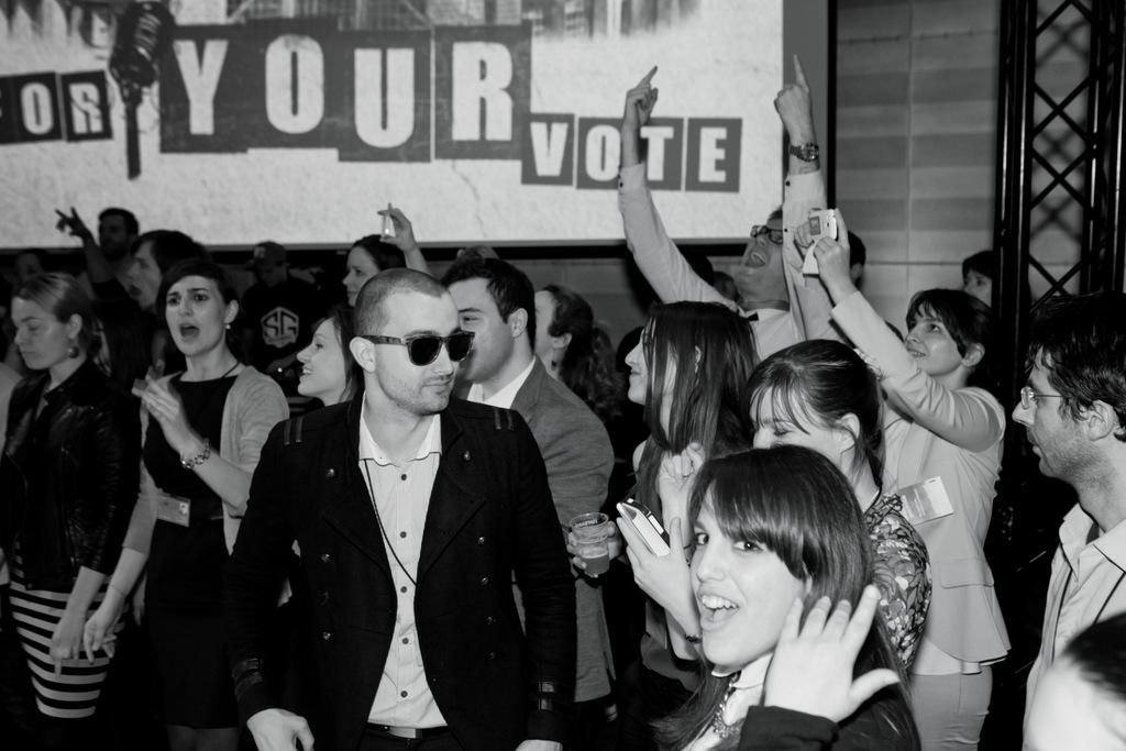 208-eu40_battle_for_your_vote_203_sur_219